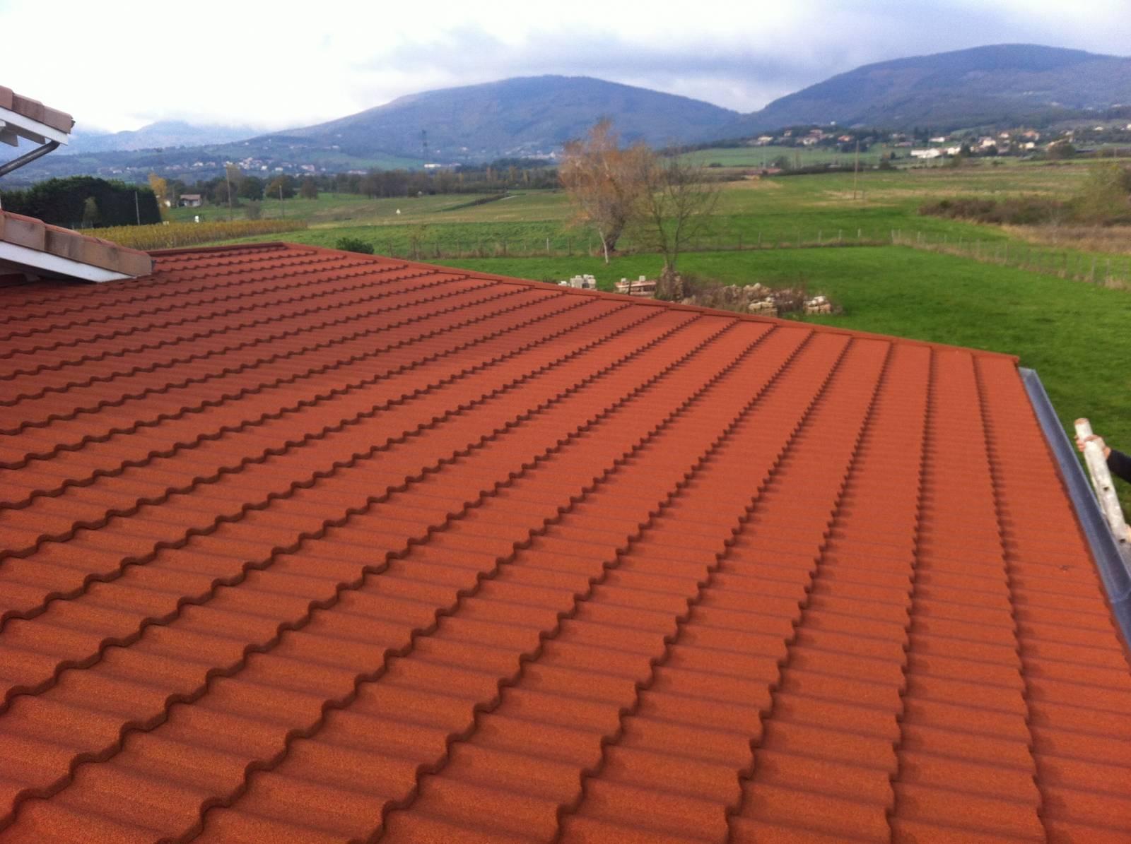 Tuiles Pour Toiture Faible Pente Fabrication Livraison De Tuiles Lyon Materiaux Renovation Toiture Ahi Roofing