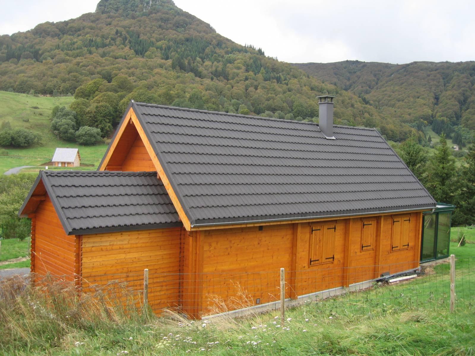 Toiture de Maison en Construction Bois - Fabrication & livraison de tuiles Lyon - Matériaux ...